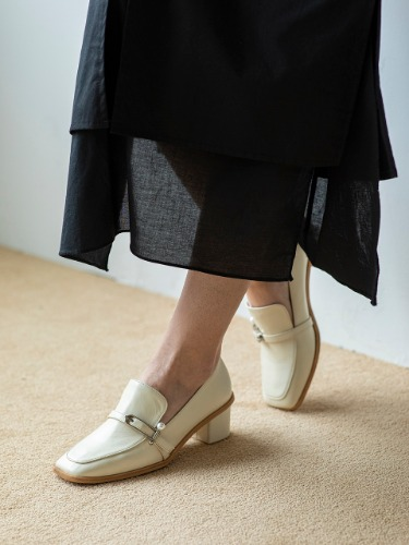 BJP19302 PEARLBALL LOAFER IVORY