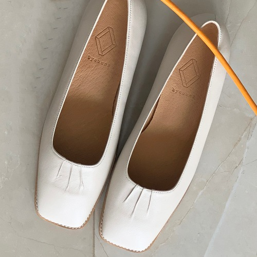 BKP20221 OUR LOAFER IVORY