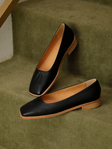 BKP20221 OUR LOAFER BLACK